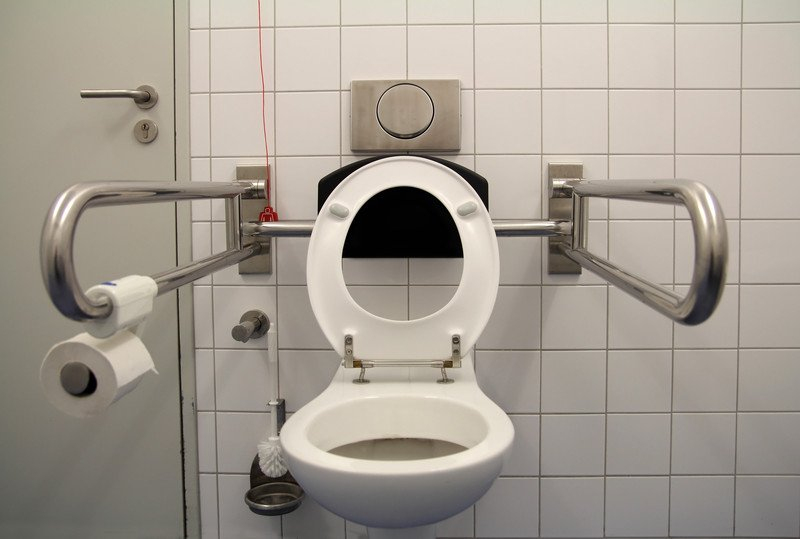 Wasserverbrauch Einer Toilettenspülung » So Sparen Sie? avec Toilettes Handicapés