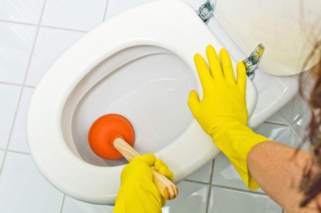 Wc Verstopft – So Lösen Sie Die Verstopfungen dedans Toilettes Bouchés
