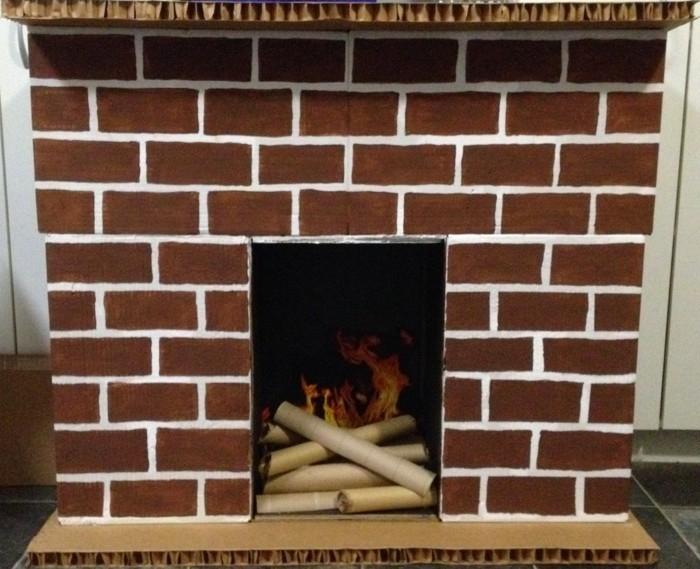 Cheminée En Carton – Décoration Réchauffante Le Cœur concernant Comment Fabriquer Une Cheminée De Maison