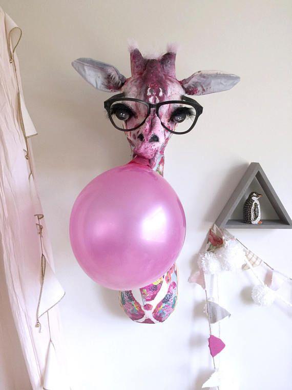 Clover Bubble Gum Blowing Giraffe Faux Taxidermy   Girls avec Fausse Cheminée Décorative Gifi