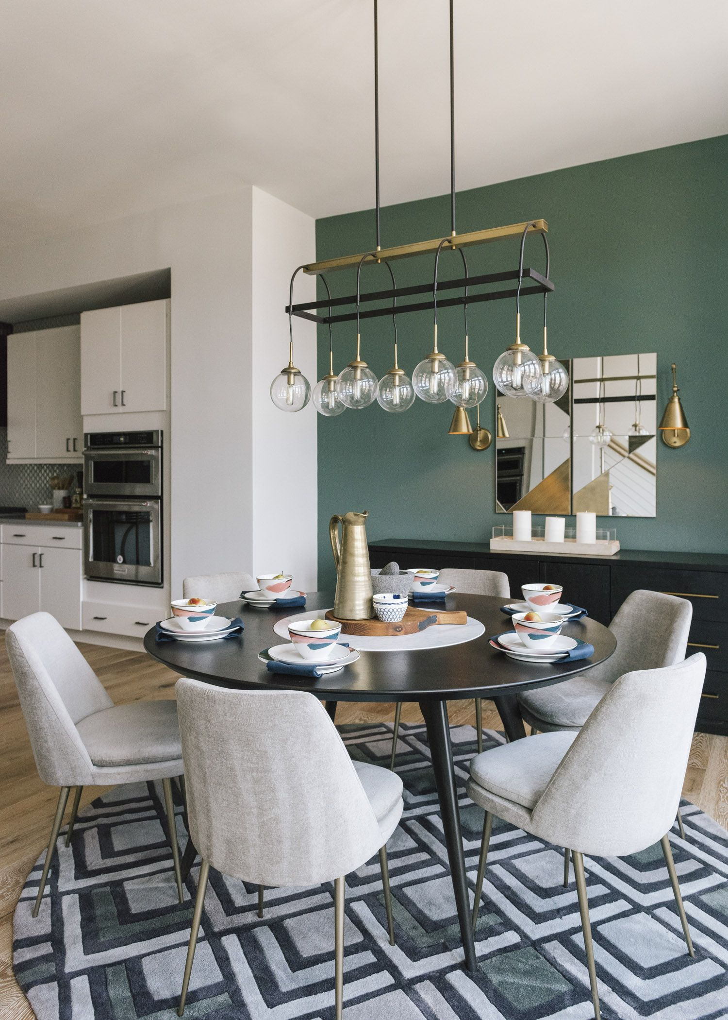 Four-Story Townhome Outfitted To Inspire - Front + Main à On Dine À La Cheminée