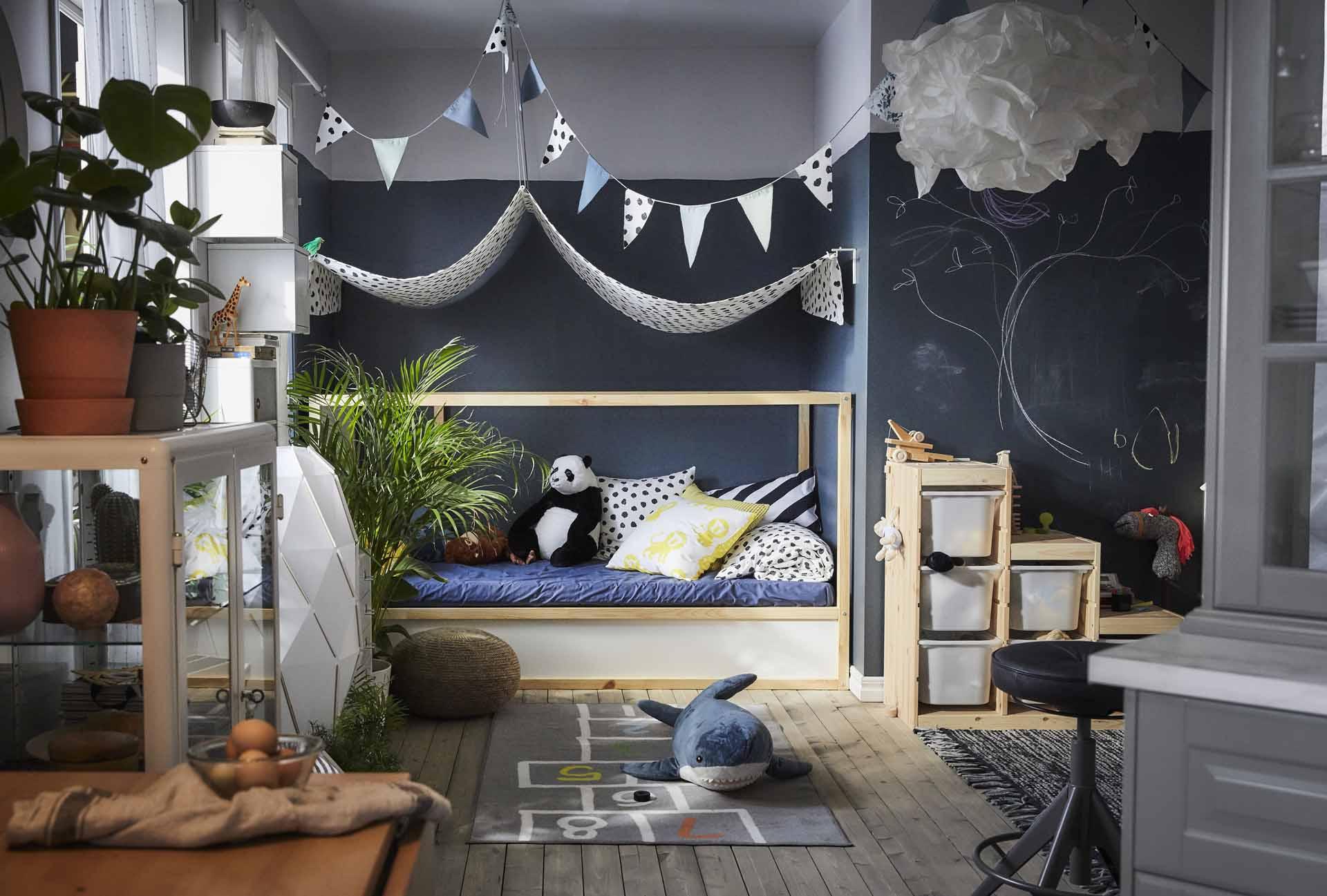 Choisir Le Lit Kura Ikea Pour Une Chambre D'Enfant serapportantà Rideaux Chambre Bébé Ikea