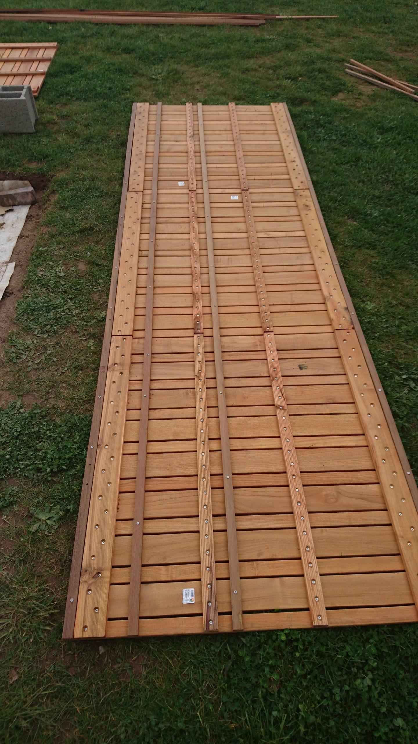 Construire Sa Terrasse Sur De La Terre Meuble - Construction concernant Plot Autonivelant Castorama