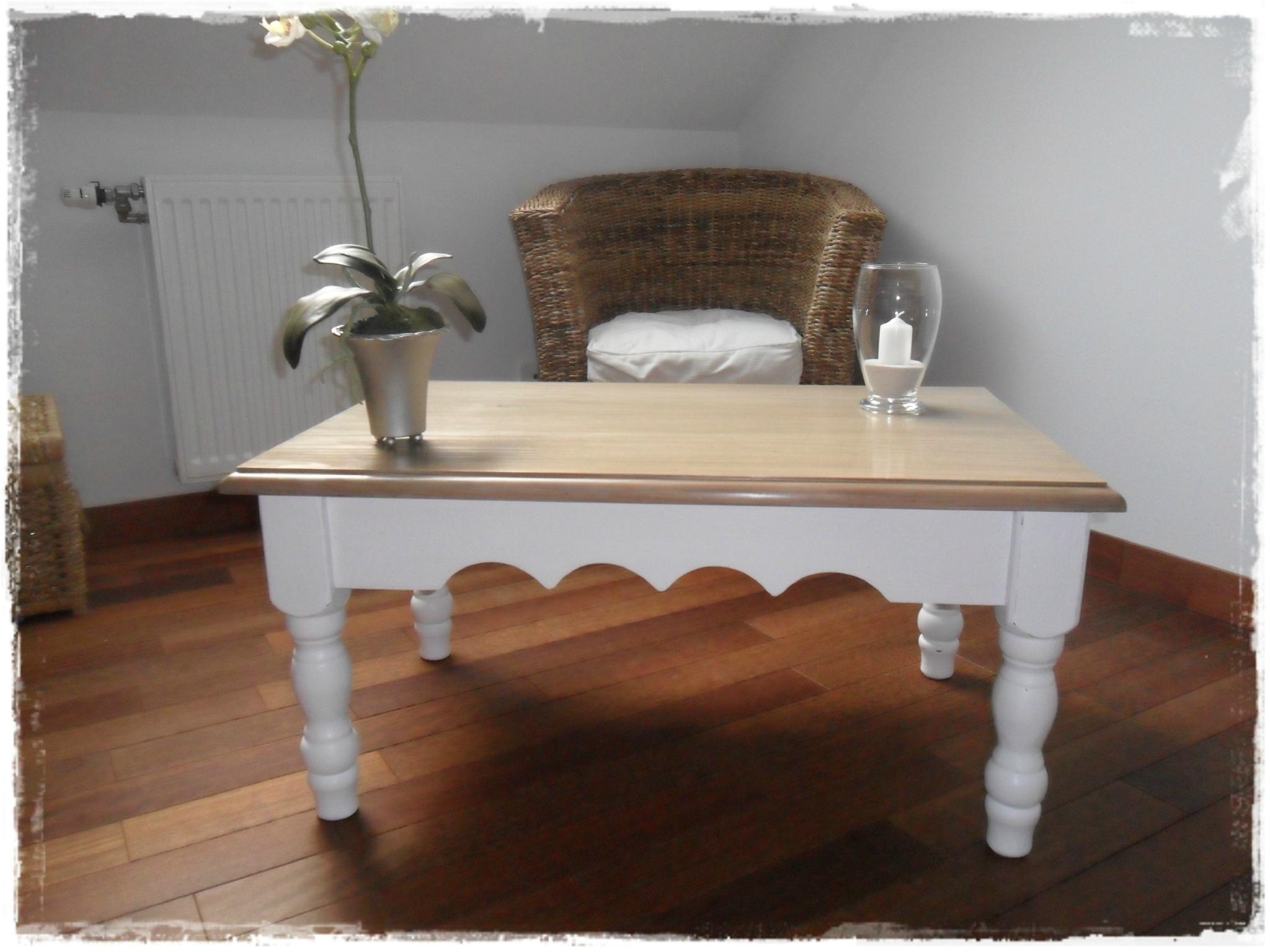 Nouveau Look Pour Table En Pin - Broc Et Patine - Le Grenier concernant Table De Nuit Ancienne Le Bon Coin